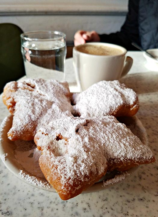Cafe Du Monde, NOLA - Karyl's Kulinary Krusade