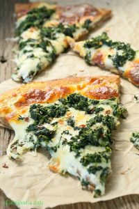 garlic-spinach-pizza-600x900