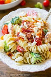 Creamy-Chicken-Pasta-Salad-with-Greek-yogurt-e