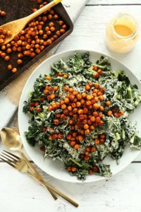 AMAZING-Garlicky-Kale-Salad-with-Tandoori-Spiced-Chickpeas-30-minutes-and-SO-delicious-vegan-glutenfree-salad