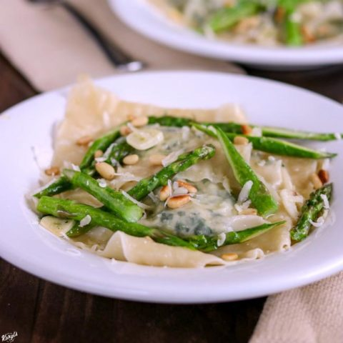 Spinach Ravioli with Asparagus Garlic Butter Sauce