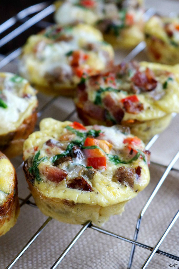 Loaded Breakfast Egg Muffins are full of your favorite meats and veggies, freezer friendly, and easy to make. Perfect for brunch, morning game tailgates, or busy weekday breakfasts #breakfastmuffin #eggmuffin #eggs #bakedeggs #breakfast #brunch #gamedaytailgate #easyrecipe #glutenfree #freezerfriendly #karylskulinarykrusade