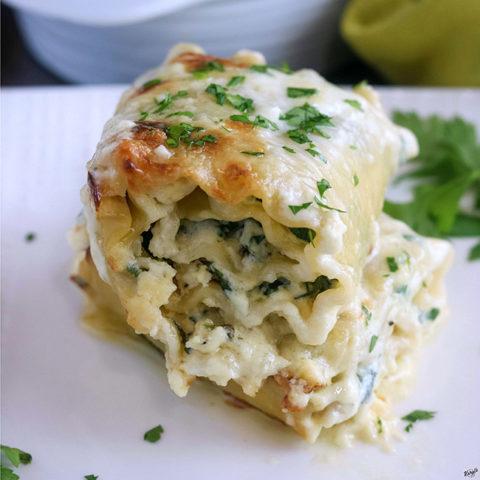 Spinach Alfredo Lasagna Roll Ups