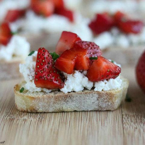 Balsamic Strawberry Ricotta Bruschetta